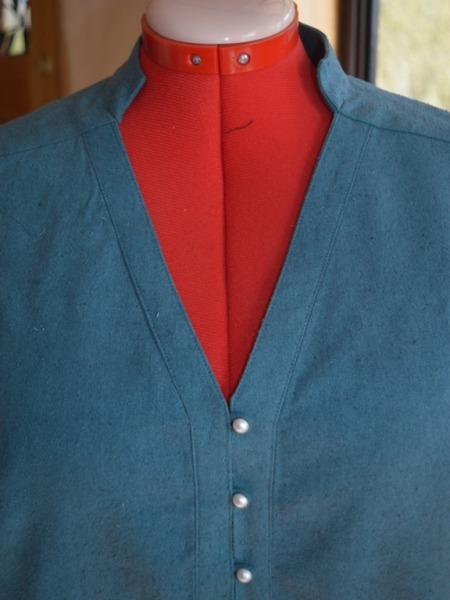 blue_shirt_neckline.jpg