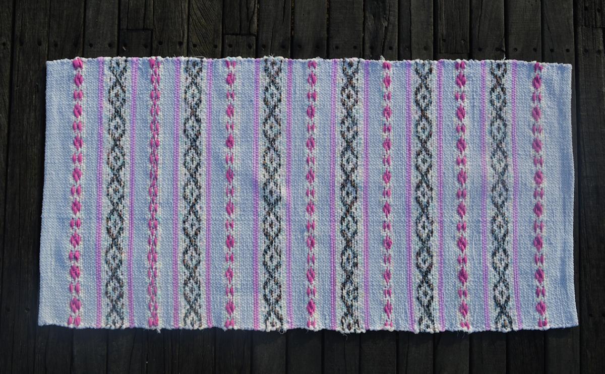 Marshmallow rag rug